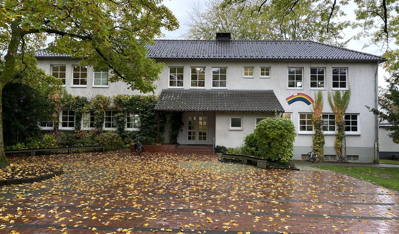 Gemeindehaus Mauspfad Vorplatz